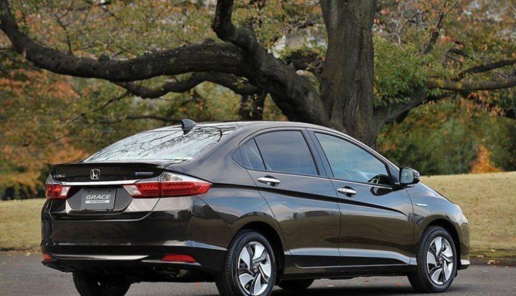 Honda Grace от 2016