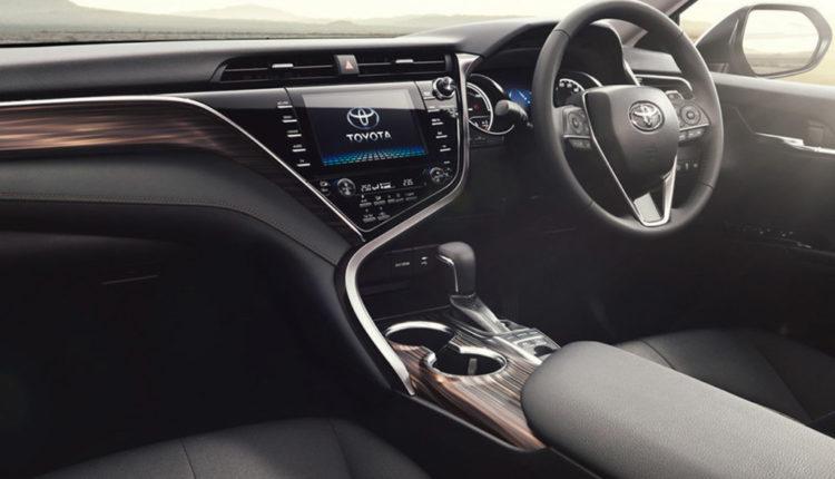 Toyota Camry от 2016