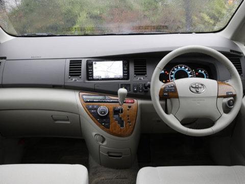 Toyota Isis от 2016